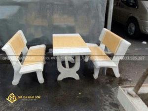 nhà phân phối bàn ghế đá trắng vàng