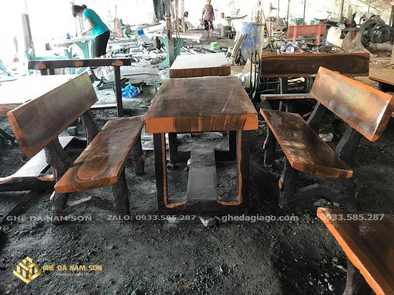 bàn ghế đá granito 1