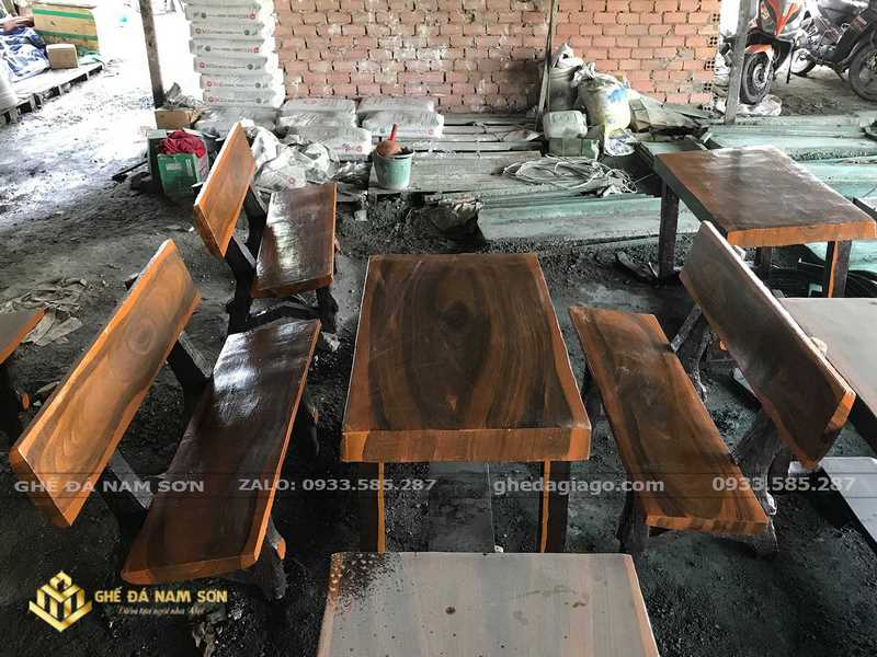 bàn ghế đá giả gỗ quận 5
