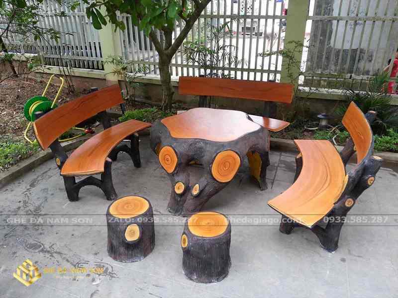 bộ bàn ghế đá ngoài trời 4
