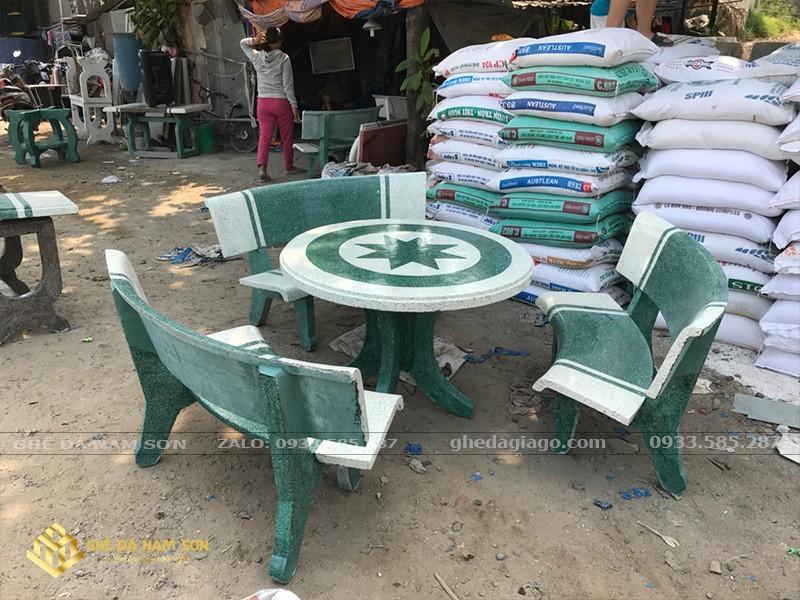giá bộ bàn ghế đá sân vườn 4