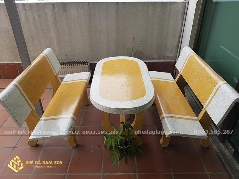 bàn ghế đá sân vườn 4