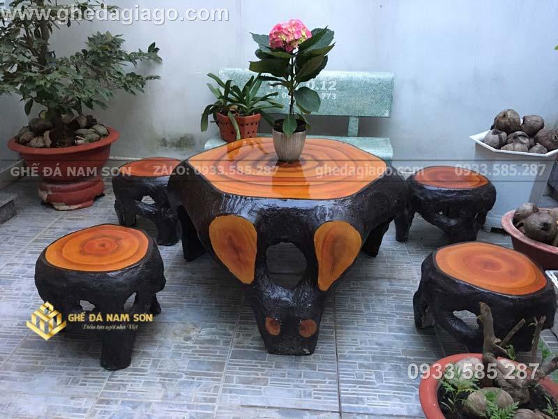 giá bộ bàn ghế đá giả gỗ