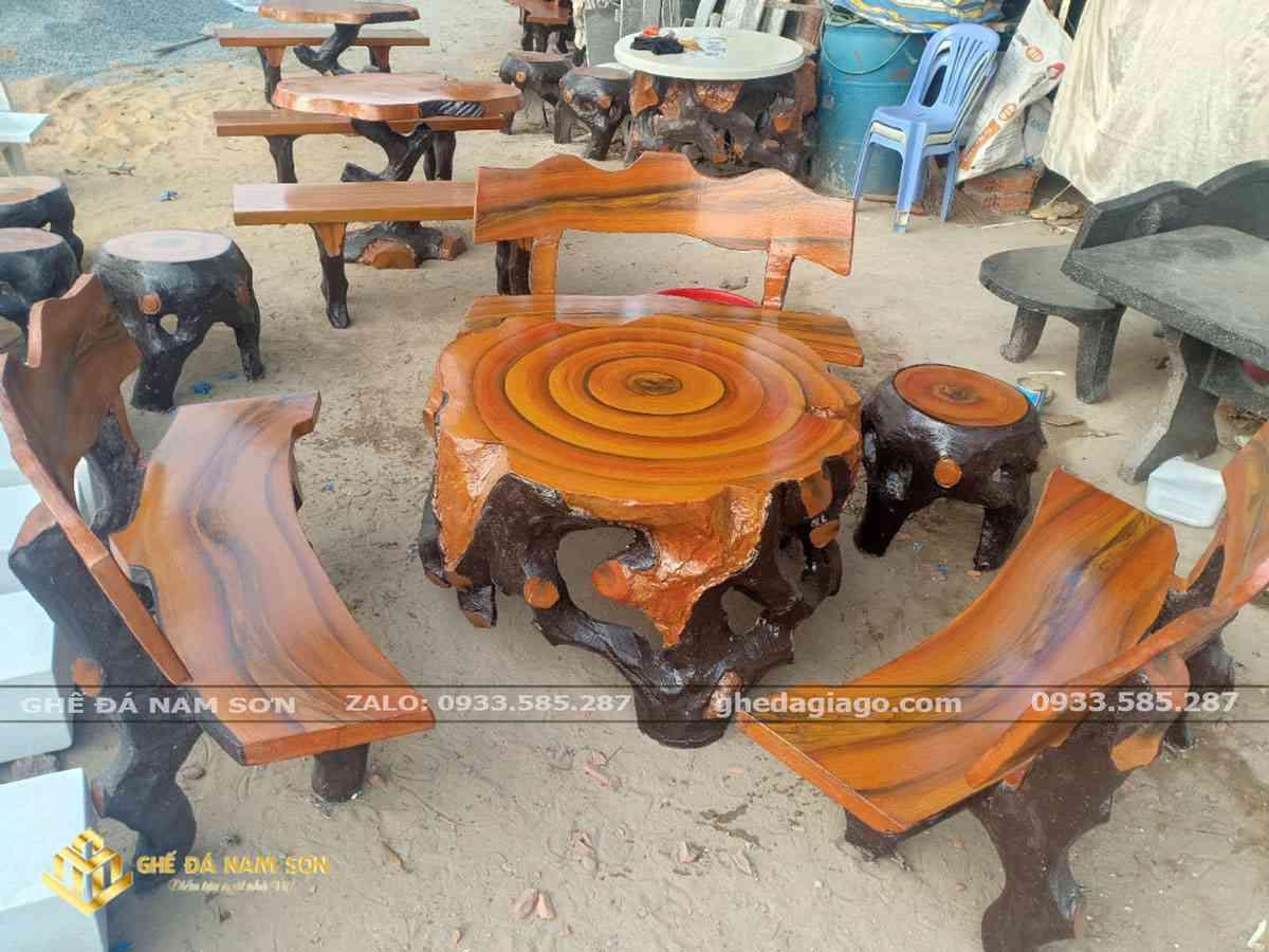Bộ bàn ghế xi măng giả gỗ sân vườn đẹp