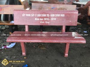bán các loại bàn ghế đá công viên màu đỏ