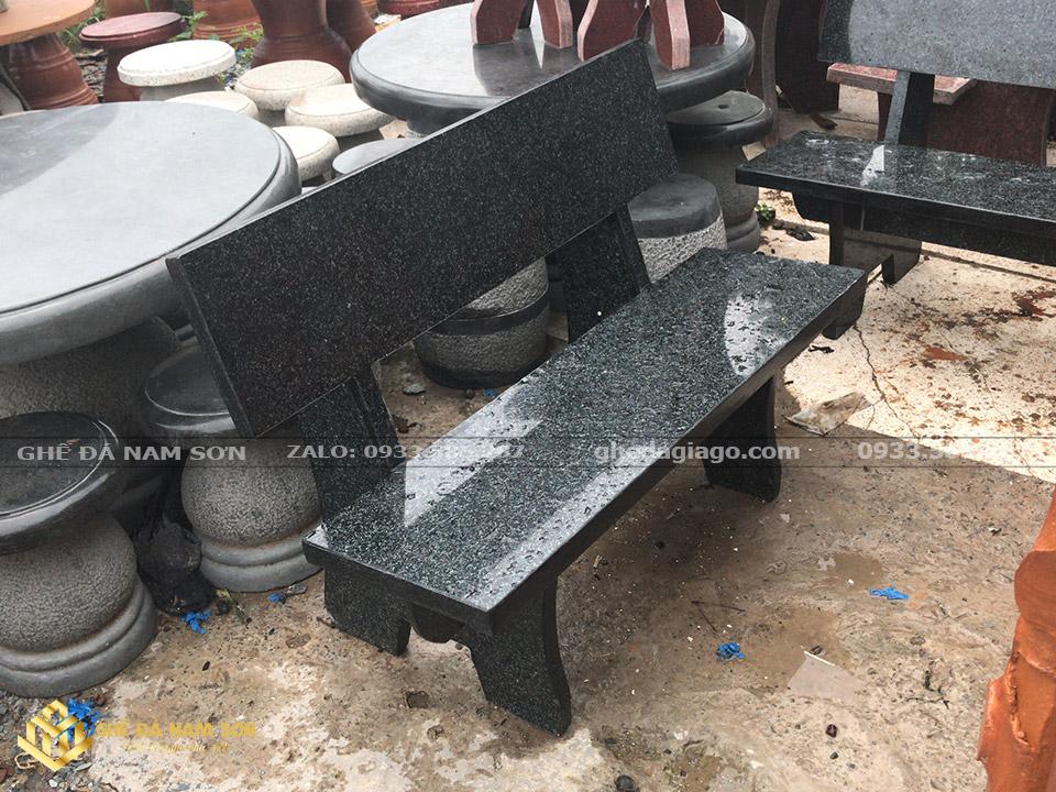 làm ghế đá hoa cương màu đen quá đẹp