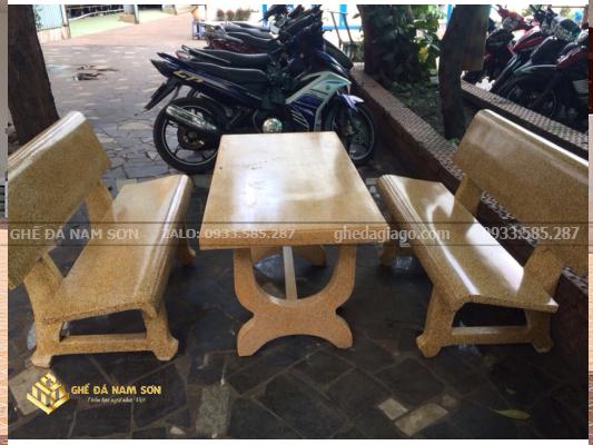 cách làm bàn ghế đá màu vàng