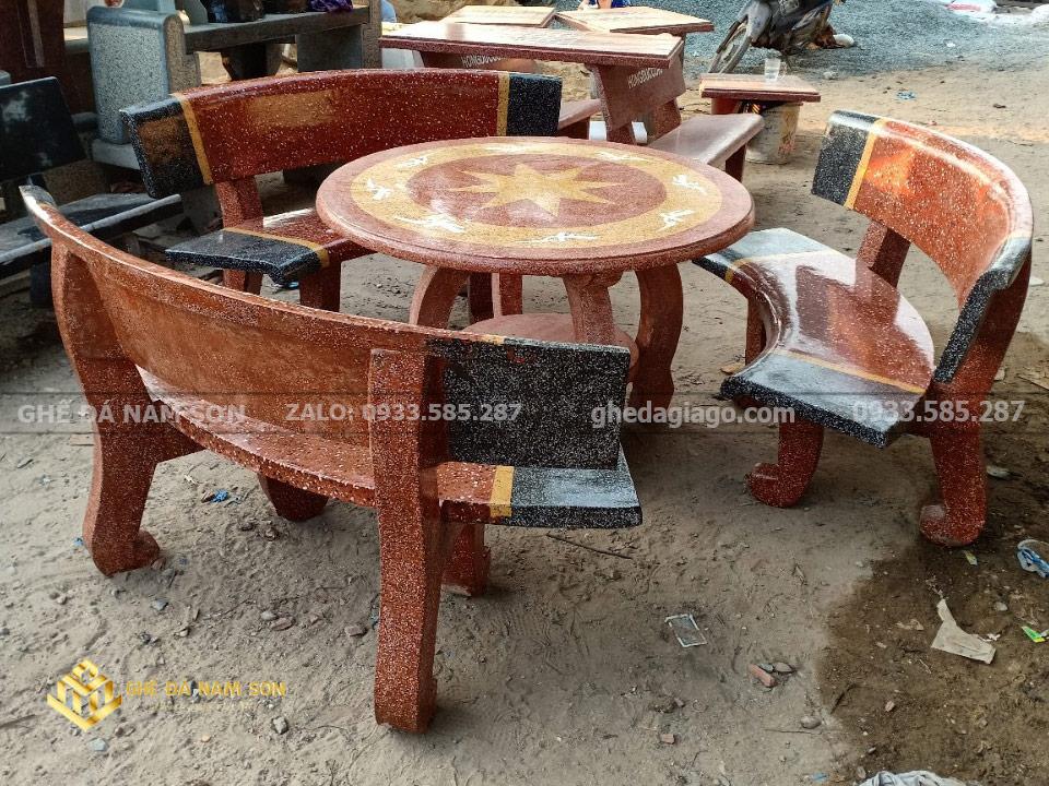 Nam sơn chuyên cung cấp Bàn ghế đá cong trắng đỏ